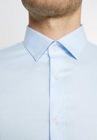 OLYMP - OLYMP NO.6 SUPER SLIM FIT - Formal shirt - bleu - 5