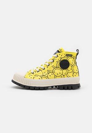 PALLASHOCK UNISEX - High-top trainers - blazing yellow