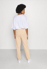 ONLY - ONLDEA DETAIL PANTS  - Tracksuit bottoms - warm sand - 2