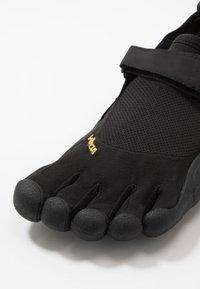 Vibram Fivefingers - KSO - Obuwie do biegania neutralne - black - 5