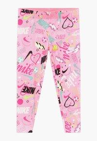 Nike Sportswear - SCRIBBLE PRINT - Leggingsit - pink - 0