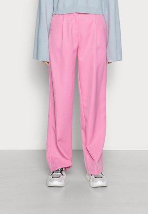 YASSERENA WIDE PANTS - Tygbyxor - fuchsia pink