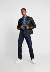 Tommy Jeans - RYAN STRAIGHT - Jeans a sigaretta - lake raw stretch - 1