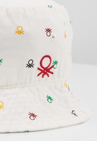Benetton - HAT - Klobouk - white - 2