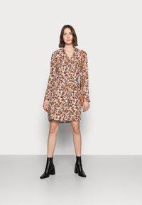 PIECES Tall - PCFRIDINEN DRESS - Shirt dress - mocha bisque - 1