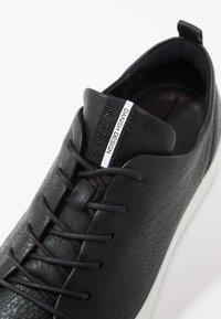 ECCO - SOFT LADIES - Sneakersy niskie - black - 6