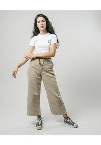 Brava Fabrics - WILD ZEBRA - Print T-shirt - white - 1