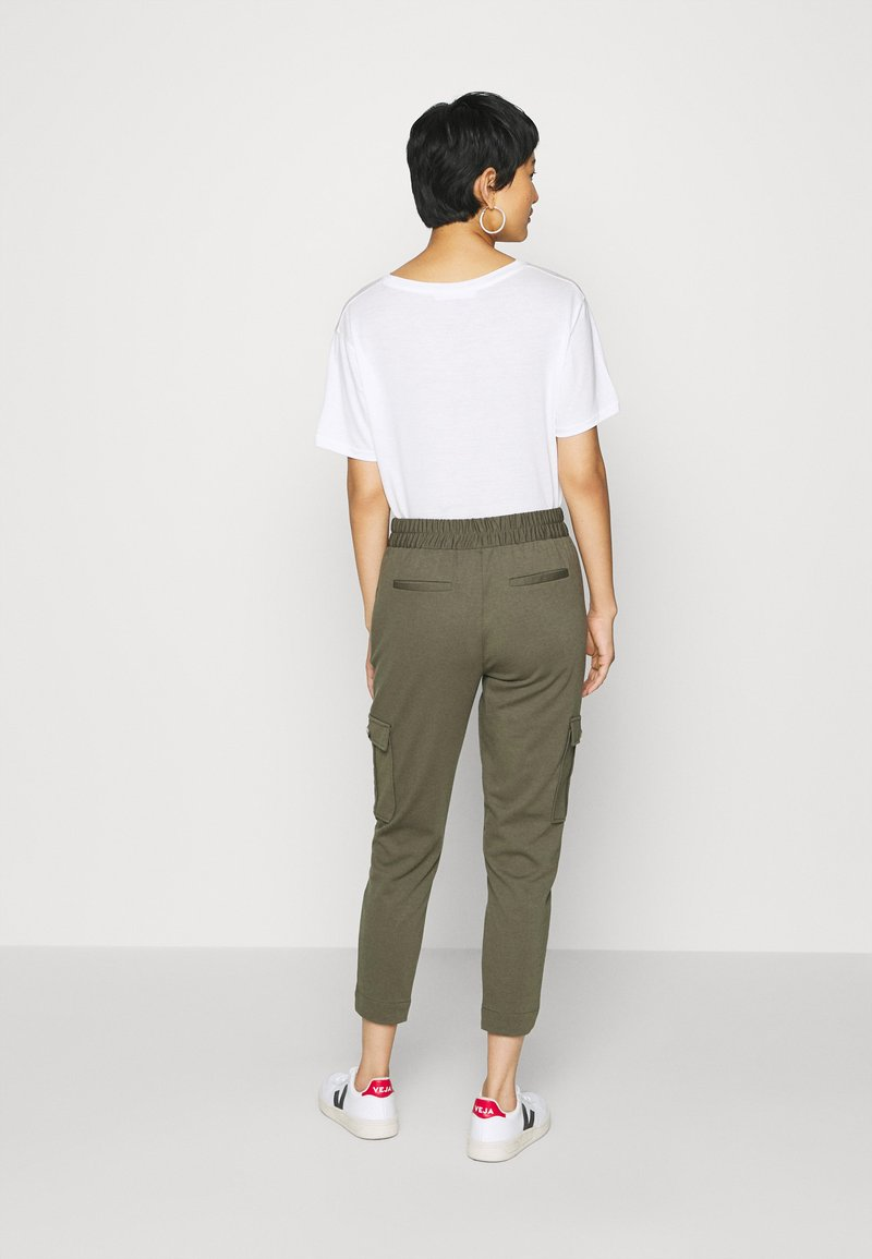 Freequent - FQNANNI ANKLE CAR - Trousers - olive