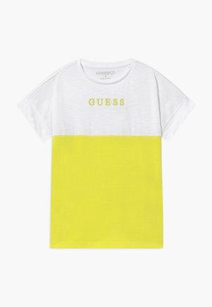 JUNIOR MIDI - T-shirt print - yellow