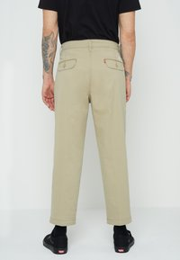 Levi's® - XX STAY LOOSE PLT CROP - Broek - neutrals - 2