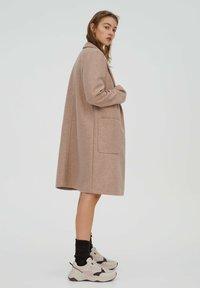 PULL&BEAR - Klasický kabát - rose gold - 2