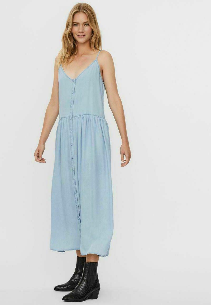Vero Moda - ÄRMELLOSES - Maxi dress - light blue denim