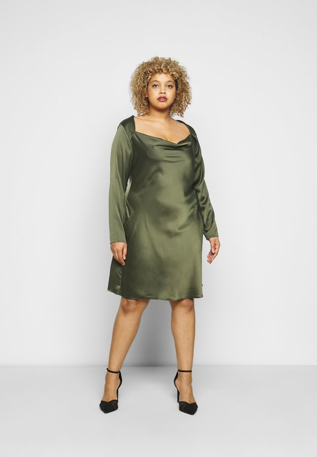 MINI DRESS WITH LONG SLEEVES SQUARE NECK AND CUT OUT BACK - Juhlamekko - forest green