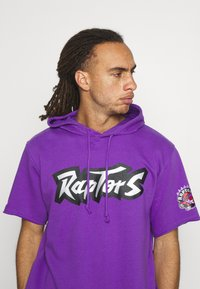 Mitchell & Ness - NBA TORONTO RAPTORS GAMEDAY HOODY - Hoodie - purple/raptors purple - 3