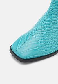 Monki - POLLY BOOT VEGAN - Vysoká obuv - turqoise - 5