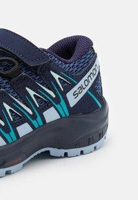 Salomon - XA PRO 3D UNISEX - Zapatillas de senderismo - blue indigo/kentucky blue/capri breeze - 5