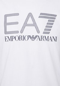 EA7 Emporio Armani - Print T-shirt - white/black - 5