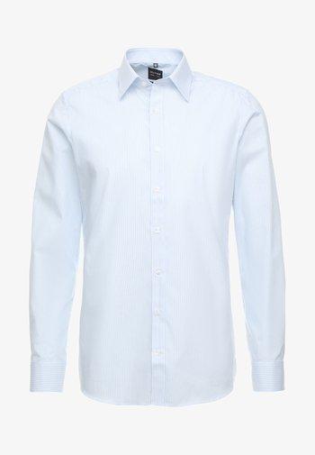 OLYMP LEVEL 5 BODY FIT  - Formal shirt - light blue