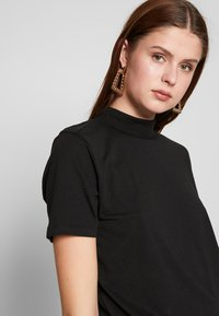 Even&Odd Tall - WITH WIDE COLLAR - Basic T-shirt - black - 3