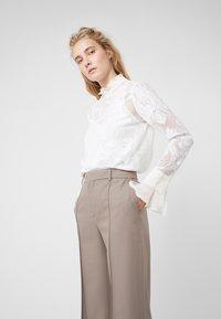 See by Chloé - Spodnie materiałowe - cinder beige - 3