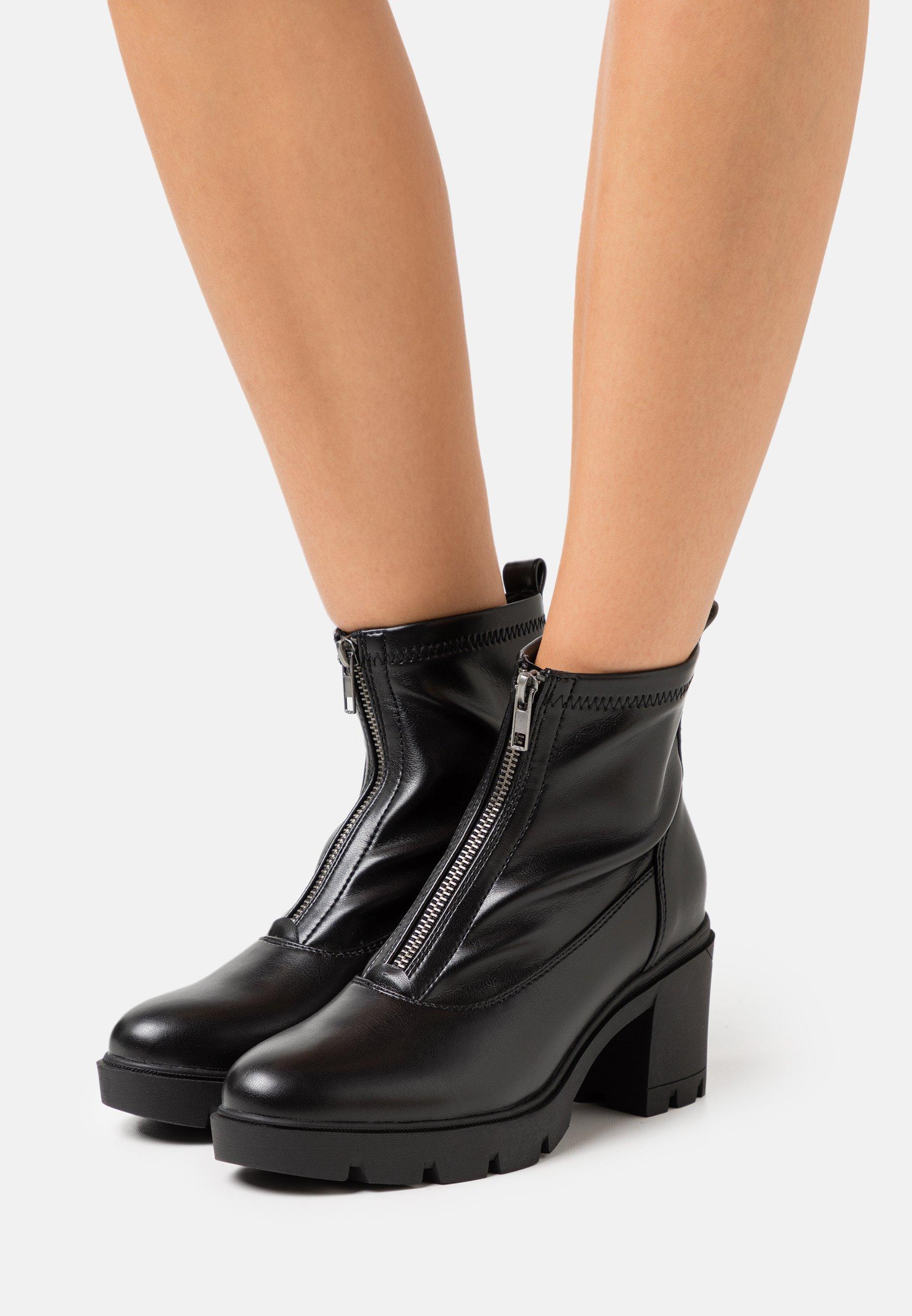 Women Platform ankle boots - black