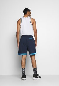 Mitchell & Ness - OWN BRAND WARM UPS  - Sports shorts - navy