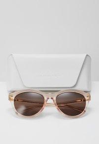 Michael Kors - Solbriller - transparent peach - 3