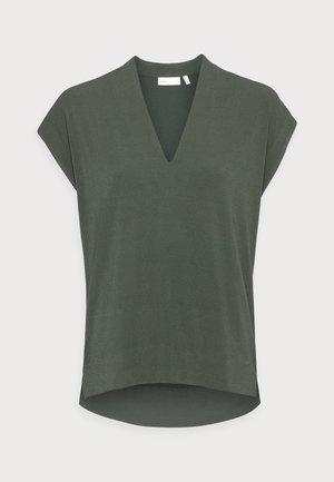 YAMINI - Basic T-shirt - green olive
