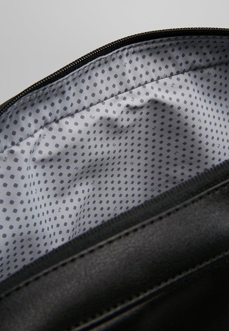 Moleskine CLASSIC SLIM BRIEFCASE - Stresskoffert - black/svart o46U7bubpux7gLv