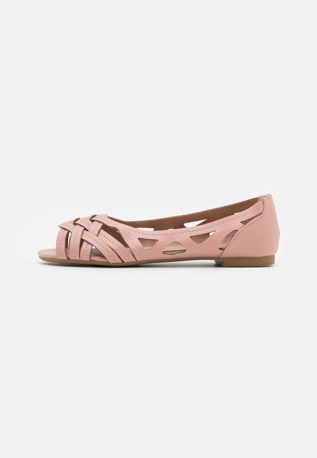 PEARLENE  - Peeptoe ballet pumps - blush