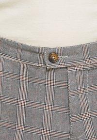 Nerve - DURAN PANTS - Chino kalhoty - grey check - 5