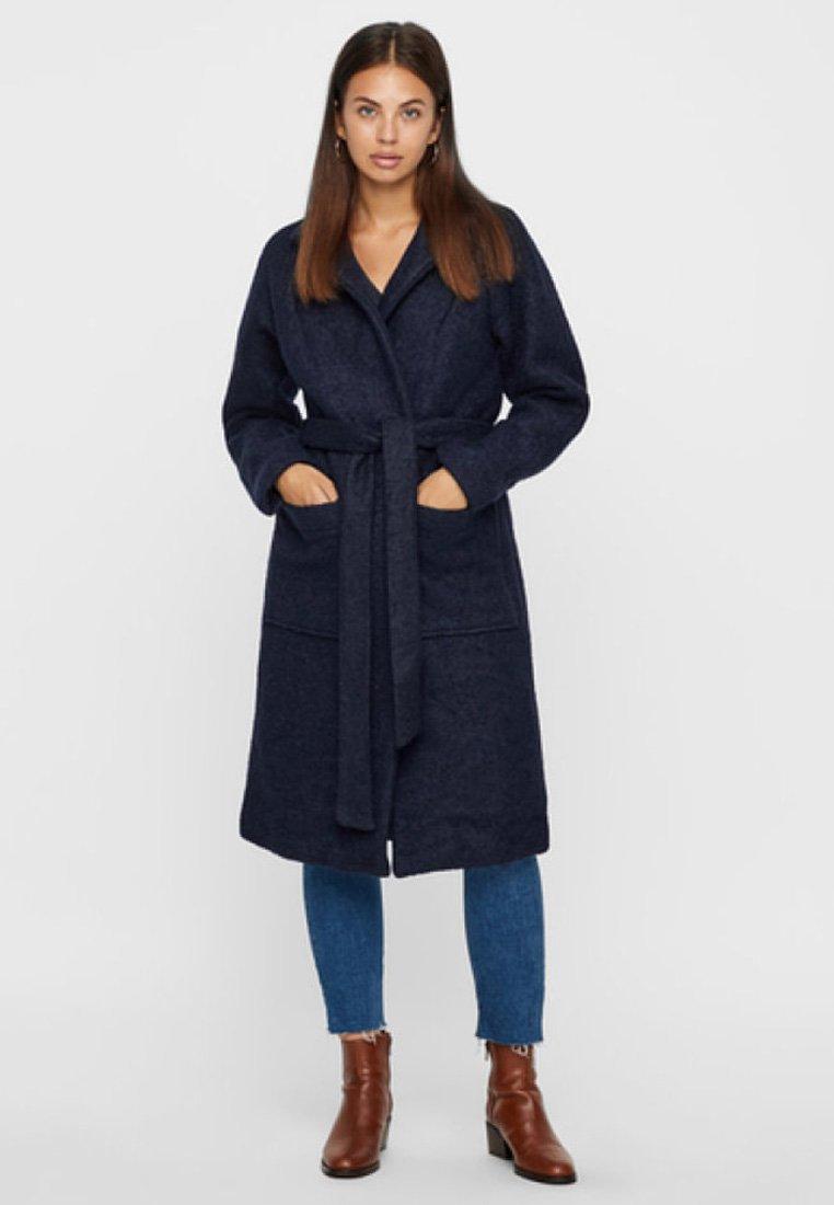 Noisy May - NMZOE  WOOLEN COAT - Klasyczny płaszcz - dark blue