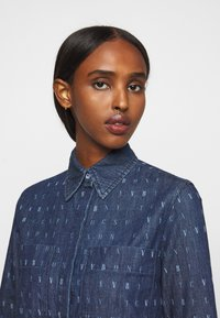 Victoria Victoria Beckham - WORD SEARCH CLASSIC - Koszula - dark blue - 4