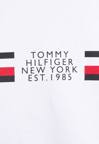 Tommy Hilfiger - CORP SPLIT TEE - T-shirt med print - white - 7