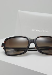 Michael Kors - Sunglasses - tort - 2