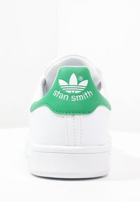 adidas Originals - STAN SMITH - Sneakersy niskie - white/green - 3