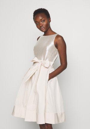 MEMORY TAFFETA DRESS COMBO - Cocktail dress / Party dress - cashew/champagne