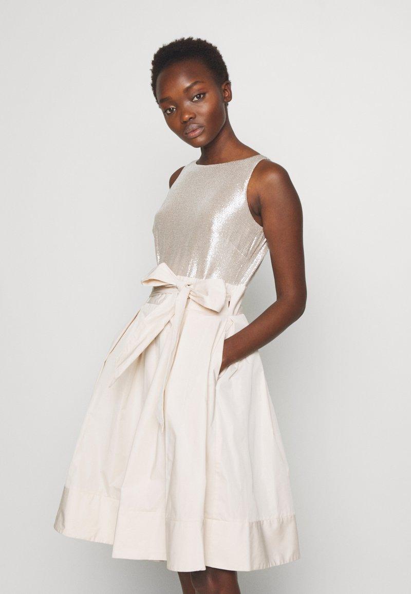 Lauren Ralph Lauren - MEMORY TAFFETA DRESS COMBO - Vestido de cóctel - cashew/champagne