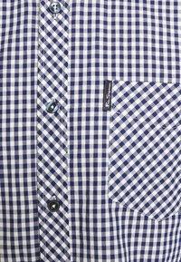 Ben Sherman - SIGNATURE GINGHAM - Overhemd - dark blue - 7