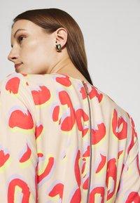 Closet - KIMONO MIDI DRESS - Maxi dress - peach - 4