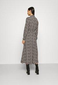 Vero Moda - VMJORDIN DRESS - Skjortekjole - black - 2