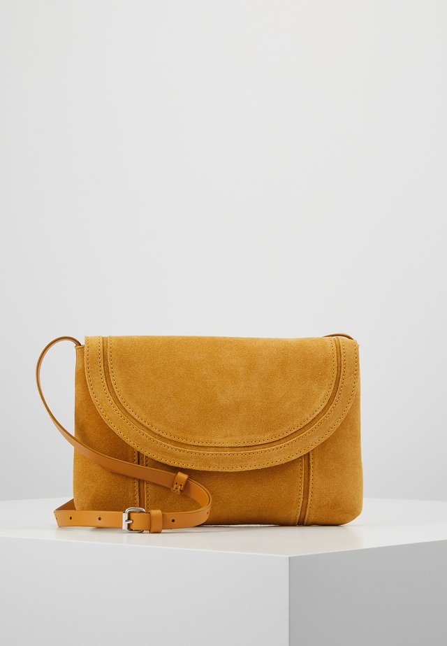 LEATHER - Across body bag - mustard