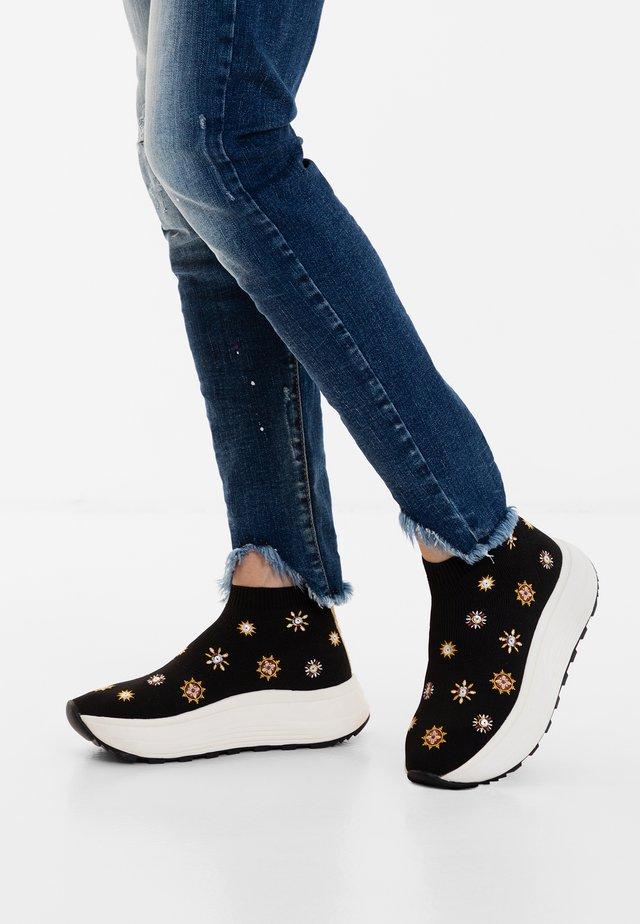 SPICE JULIETTE - Sneakers laag - black