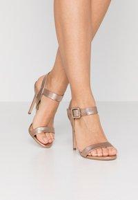 Tata Italia - Sandaler med høye hæler - champagne - 0
