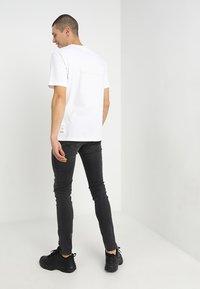 Diesel - SLEENKER - Jeans Skinny Fit - 069eq - 2
