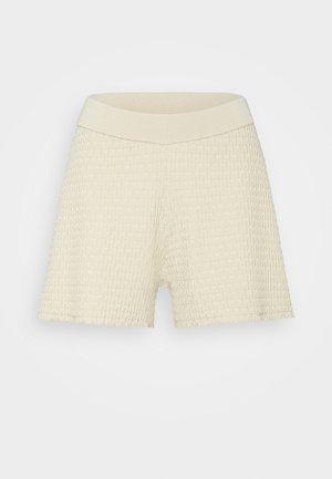 GERI - Shorts - oat