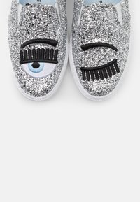 CHIARA FERRAGNI - CARRY OVER - Slip-ons - silver - 6