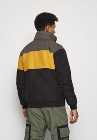Brunotti - KENNETH MENS JACKET - Snowboard jacket - black - 3