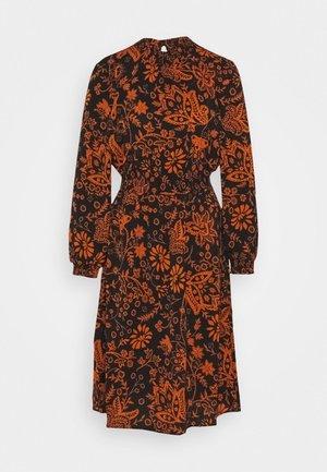 ONLNOVA LUX SMOCK BELOW KNEE DRESS - Korte jurk - black