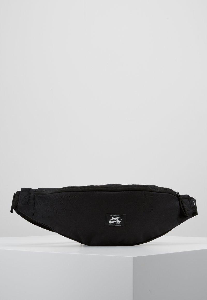 Nike Sportswear - HERITAGE HIP PACK - Sac banane - black/white